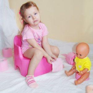 Причины и особенности течения трещин прямой кишки у детей