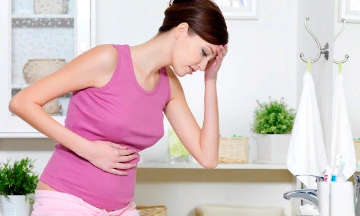 Причиной возникновения либо обострения патологического процесса во время и после родов служит нагрузка на организм