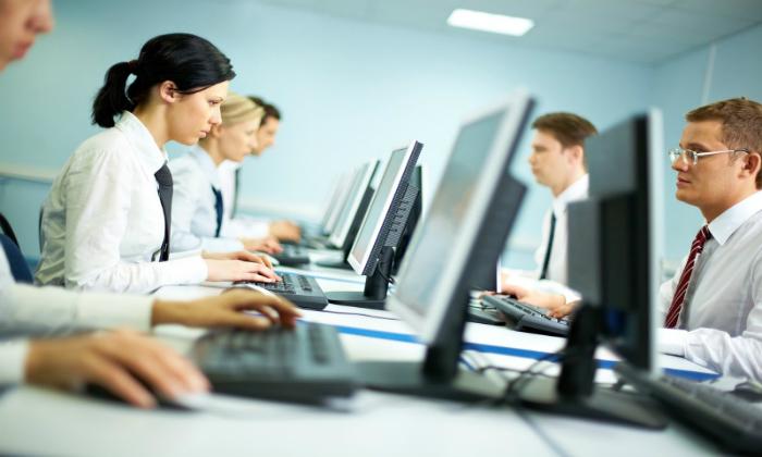 Спровоцировать варикозное расширение анальных вен может трудовая деятельность, которая характеризуется выполнением обязанностей в положении сидя