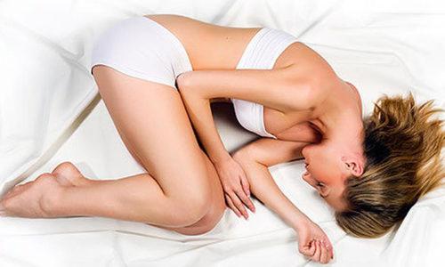 После процедуры следует остаться в лежачей позе примерно полчаса, чтобы суппозиторий растворился