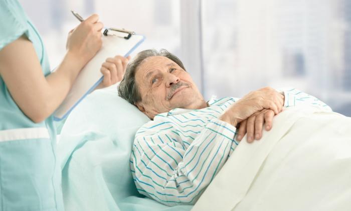 Показанием к применению мази Проктоседил является реабилитация больных после хирургического вмешательства на прямой кишке