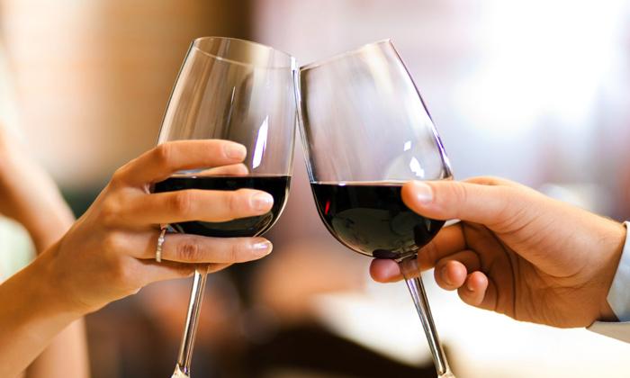 Провоцируют заболевание большое употребление алкоголя