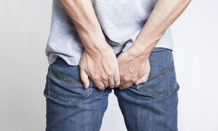 Геморрой проявляется в виде жжения в заднем проходе