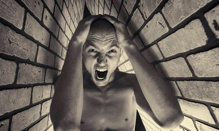 Появлению геморроя и простатита способствуют психоэмоциональные потрясения