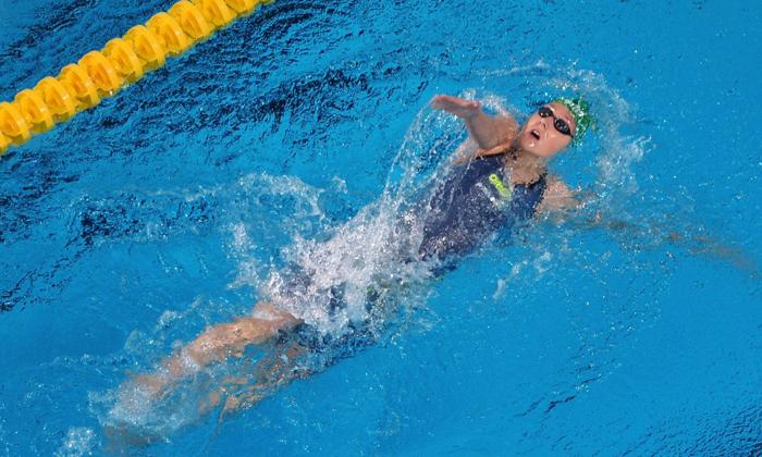 Больному рекомендуется заниматься плаваньем