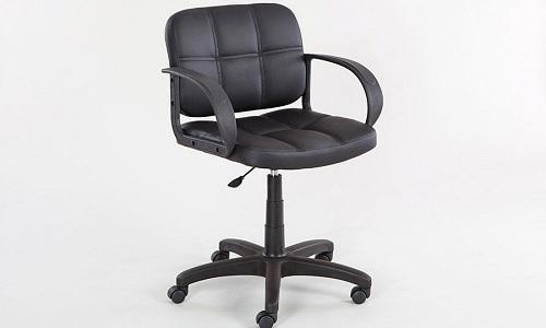 Больному геморроем лучше выбрать стул средней жёсткости