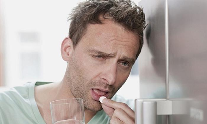 Лечение медикаментами длится дольше, чем хирургическое вмешательство