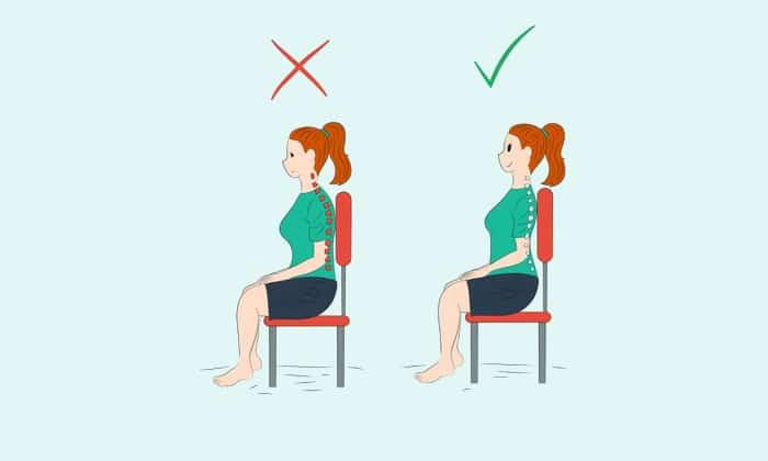 Осанку нужно держать прямо, категорически запрещается сутулиться, так как это не только на геморрой негативно влияет, но и может привести к остеохондрозу и сколиозу