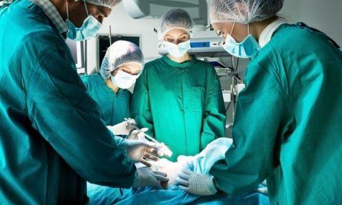 Если через 14 суток никаких улучшений не отмечается, а состояние пациента ухудшается, врач может назначить проведение хирургического вмешательства