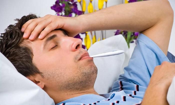 Среди общих симптомов болезни Крона необходимо выделить такие, как недомогание
