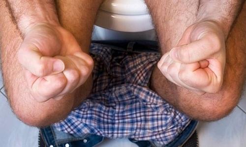 Один из признаков цирроза - неустойчивость стула, когда понос сменяется запором и наоборот