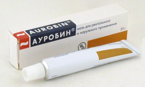 Ауробин можно применять при тяжёлых формах заболевания, осложнённого к тому же анальными трещинками