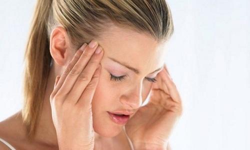 При применении свечей Проктоседил дольше 10 дней у больных развивается головная боль
