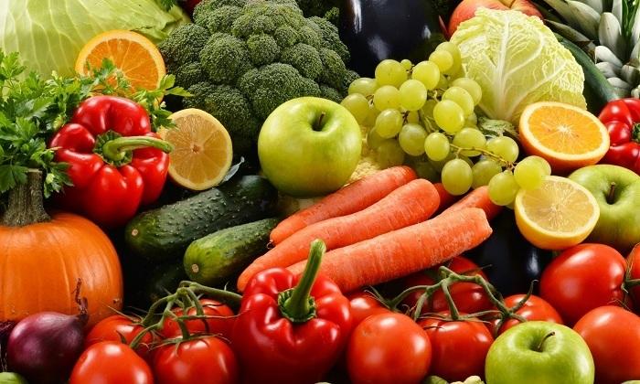 Меню беременных должно обязательно включать овощи и фрукты