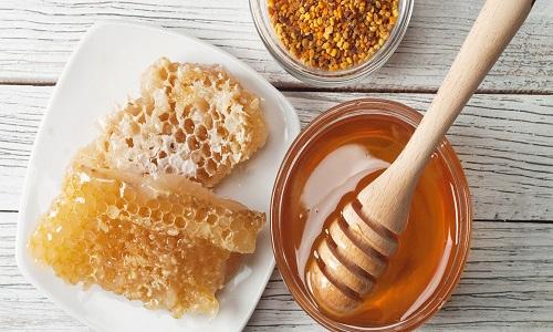 Ценным компонентом в препарате является горный полифлерный мед, который ускоряет регенерацию тканей и активизирует иммунитет