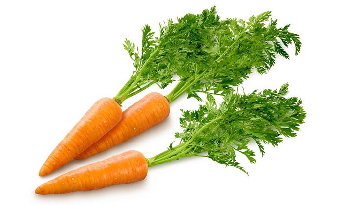 Мякоть сырой морковки также борется с воспалительным процессом