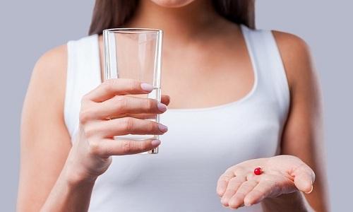 Лечение варикозного расширения геморроидальных вен включает прием таблеток венотонического действия