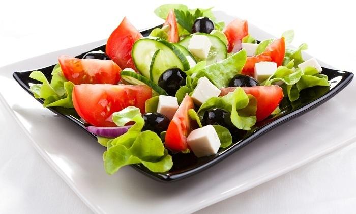 В рацион нужно вводить салаты из свежих овощей