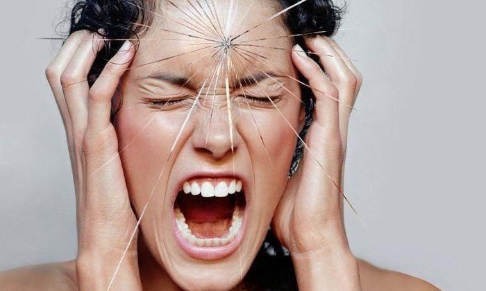 Даже стрессовые ситуации, характерные для будущих мам, являются причиной появления болезни