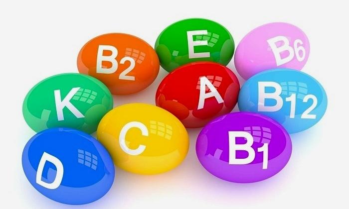 В состав эфирного масла соцветий целебного растения входят витамины группы A, B, C