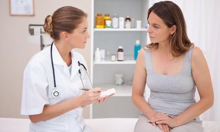 К сожалению, редкий врач выдает инструкции, как при геморрое сходить в туалет