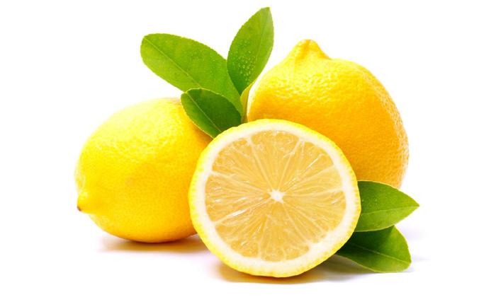 Чтобы приготовить лечебную смесь от геморроя нужно взять лимоны