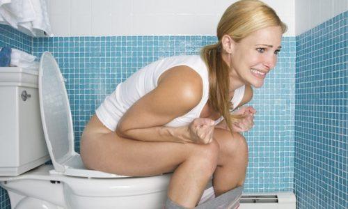 Когда курильщик посещает туалет во время ложного позыва к опорожнению кишечника, то он сильно натуживается, чтобы совершить акт