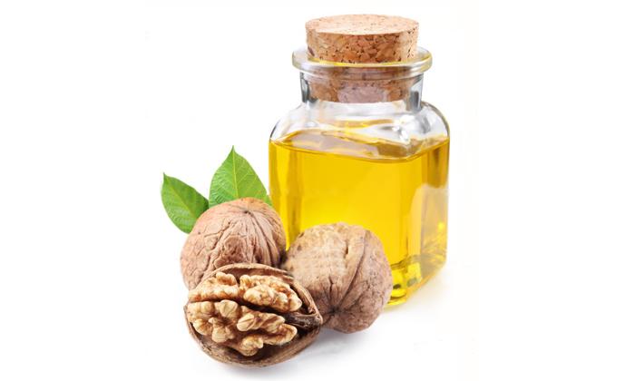 В грецком орехе содержится эфирное масло.