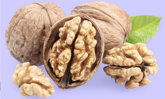 Можно ли кушать орехи при геморрое? Пользу или вред это принесет