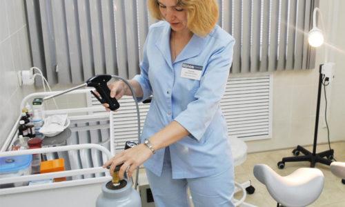 Основным малоинвазивным методом терапии наружного геморроя является криотерапия