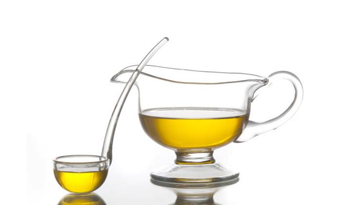 На основе растительного сырья. Существуют препараты на основе ростительного сырья, которые содержат эфирные масла растений