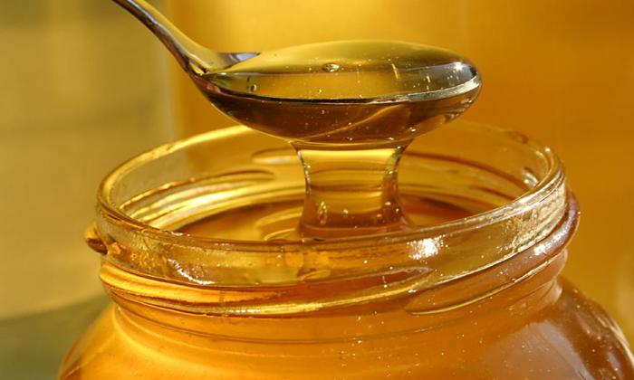 Чтобы приготовить лечебную смесь от геморроя нужно взять жидкий мёд