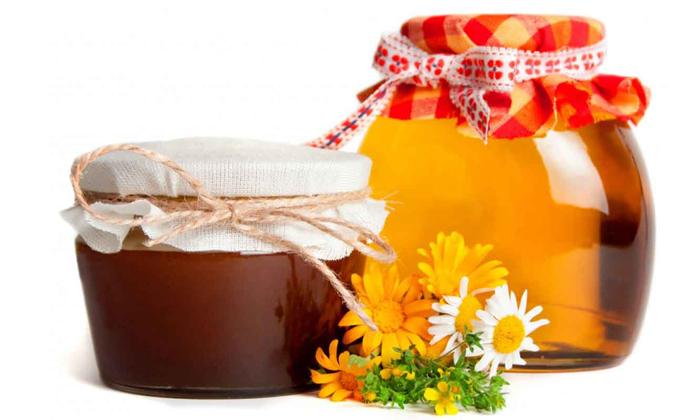 В качестве ингредиентов в народной медицине используют мёд