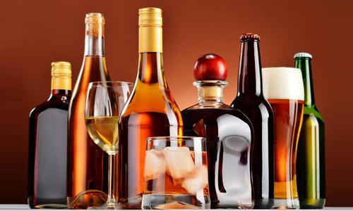 Опасность составляют не только крепкие спиртные напитки, но и слабоалкогольные