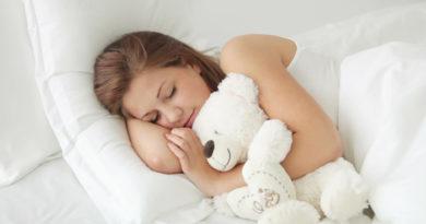 Как правильно спать при геморрое: 3 запрещённые позы для сна, советы и рекомендации