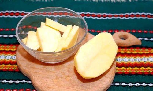 Крахмальные вещества, содержащие в картофеле, снимают боль и предотвращают слизистую от «внедрения» патогенных микроорганизмов