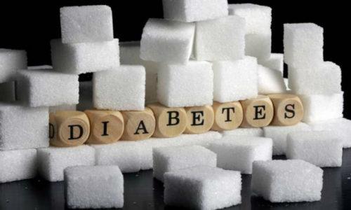 Не рекомендуется употреблять соду внутрь лицам, страдающим сахарным диабетом