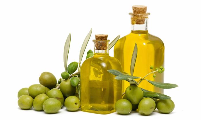 Употреблять масло черного тмина можно смешивая его с оливковым маслом