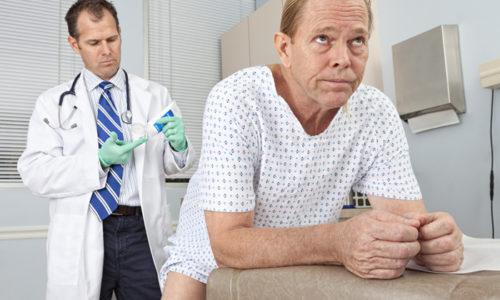 Помимо болей в заднем проходе, возникает резкая боль при пальпации геморроидального узла