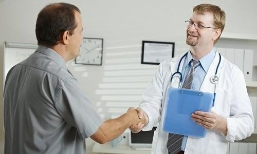 Перед процедурой специалист, проводящий обследование, рассказывает пациенту правила ее проведения