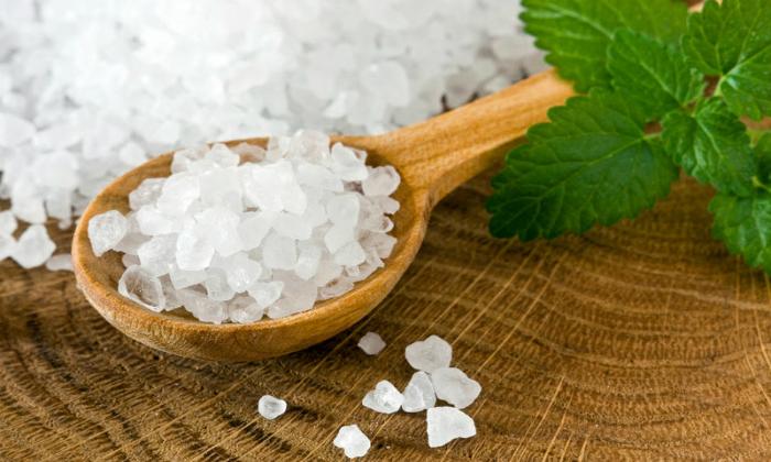 Как лечить геморрой морской солью: описание 6 эффективных методов