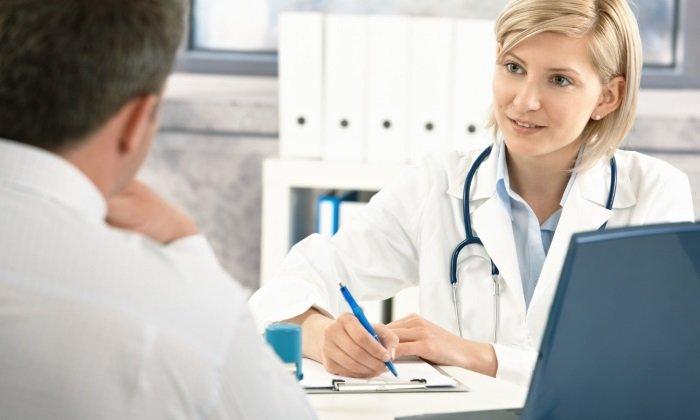 Венотонизирующие препараты при геморрое может назначить только врач после обследования пациента