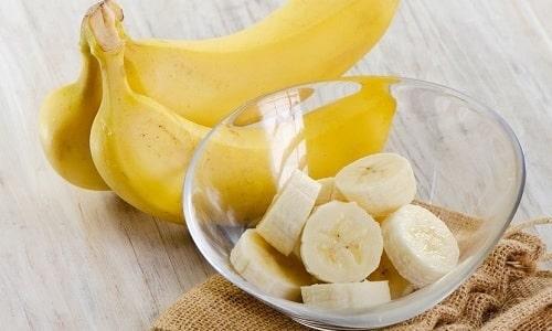 Для улучшения эрекции мужчинам нужно вводить в рацион банан, в котором есть много витаминов и минералов