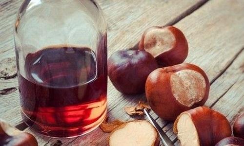 Отвар из плодов конского каштана нужно пить по 60 мл за 15 минут до еды трижды в день на протяжении 10 дней