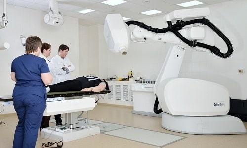 Борьба со злокачественным новообразованием заключается в проведении лучевой терапии
