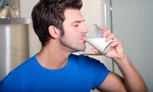 Полезные свойства хрена можно дополнить молоком - такой продукт давно принимают славяне для повышения потенции