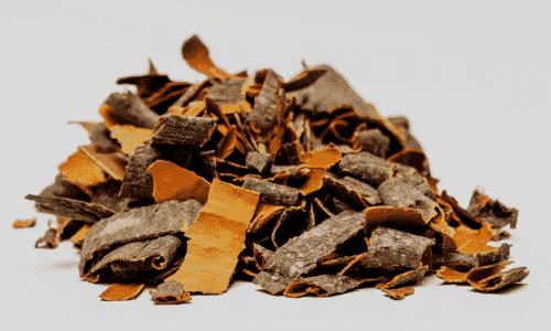 Среди множества народных средств кора осины при аденоме предстательной железы прекрасно дополняет медикаментозную терапию доброкачественной опухоли