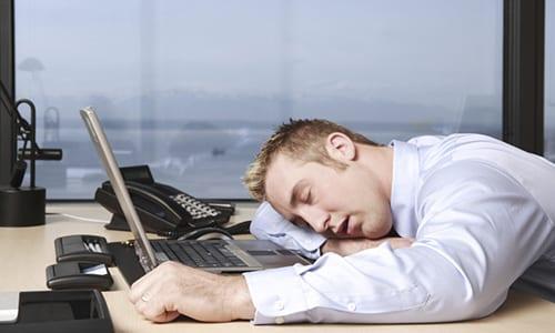 Представители сильной половины человечества могут прибегнуть к спиртному от сильной усталости