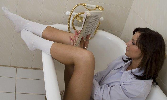 Также при геморрое используются сидячие ванночки с отварами трав