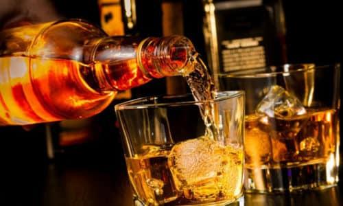 Злоупотребление алкогольными напитками скоряют возрастные изменения в организме